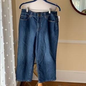NWT Christopher & Banks Size 10 Denim Capri Jeans